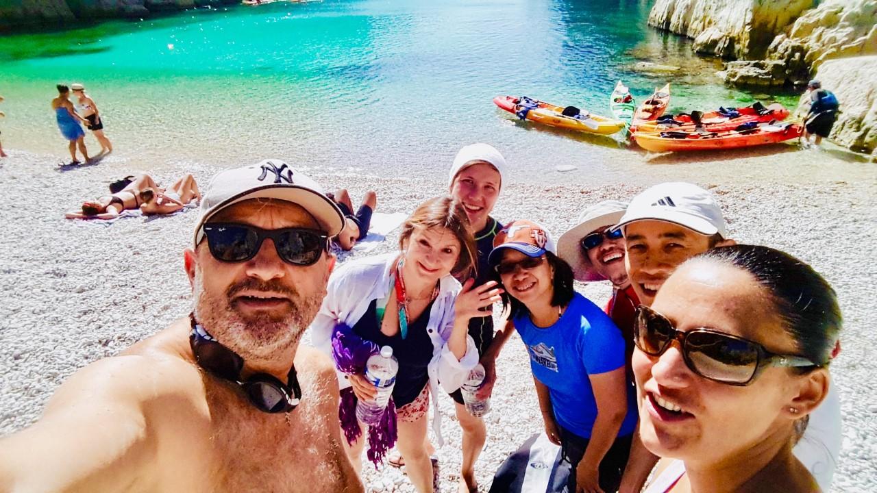 """alt=""""découvrez la galerie photo d'une sortie privatisée en kayak à cassis avec l'équipe de gemalto"""""""